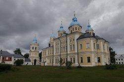 В возрождении иконостаса храма Рождества Пресвятой Богородицы Коневского монастыря может принять участие каждый