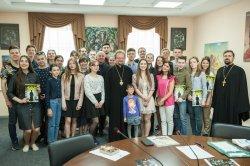 Епископ Выборгский и Приозерский Игнатий наградил победителей Всероссийских фотоконкурсов, организованных Молодежным отделом епархии к 625-летию Коневской обители