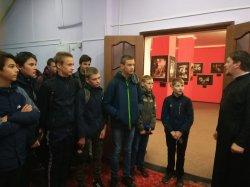 """Ученики всех школ города Рославля посетили с экскурсиями  выставку """"Коневец - Святыня, которая рядом"""""""