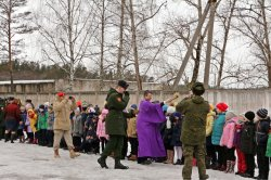 Посвящение в юнармейцы в Шумиловской школе прошло при участии помощника благочинного Приозерского округа по работе с молодёжью