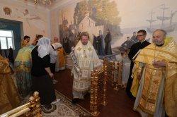 Епископ Выборгский и Приозерский Игнатий совершил Великое освящение  первого в мире храма в честь обретения мощей преподобного Арсения Коневского в новом Епархиальном управлении